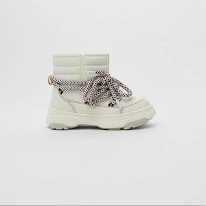 Zara quilted boots white size 29